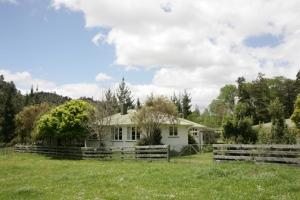 Neil and Virginia Travers' Hodd Cabin.
